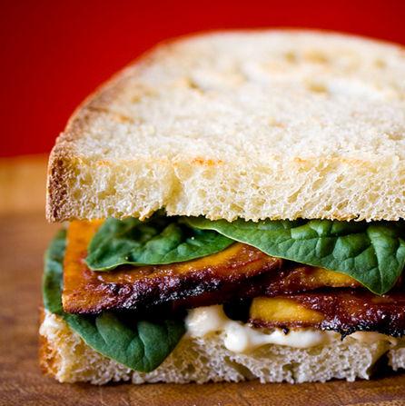 Sandwich de tofu y miso