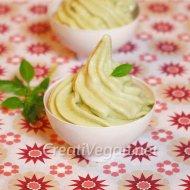 Crema de helado de pepino y