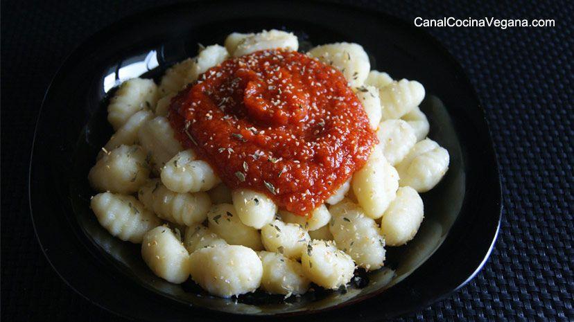 Ñoquis de patata con tomate